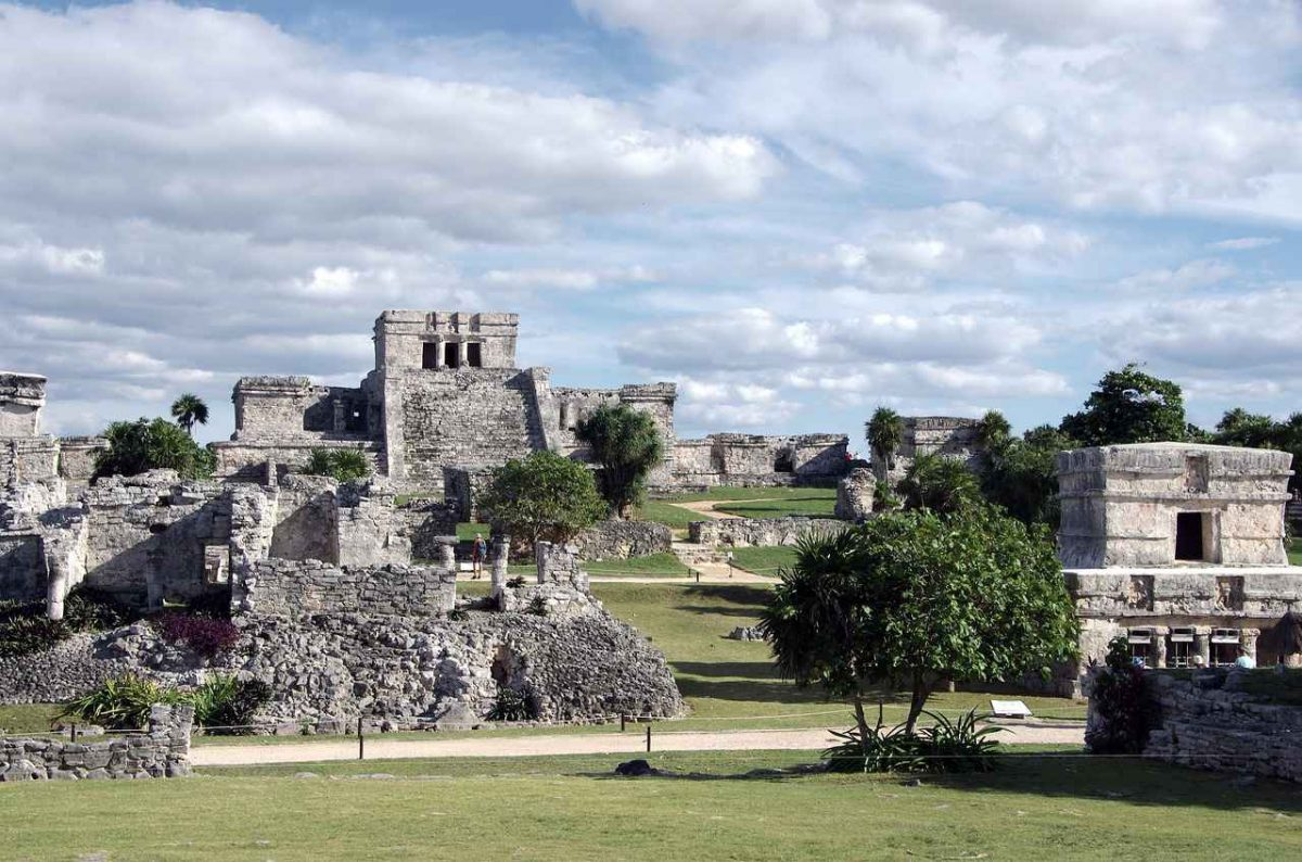 The causes of the Mayan Civilization collapse